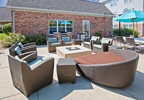 Residence Inn Merrillville: Outdoor Patio
