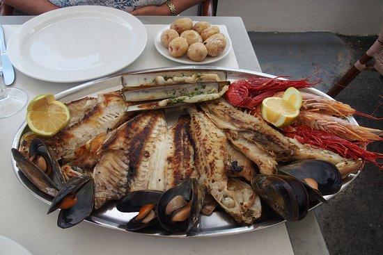 El Golfo, İspanya: Plat de poisson pour deux