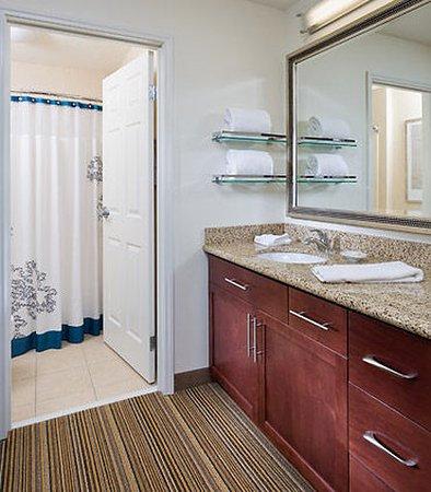 Polen, OH: Suite – Bathroom