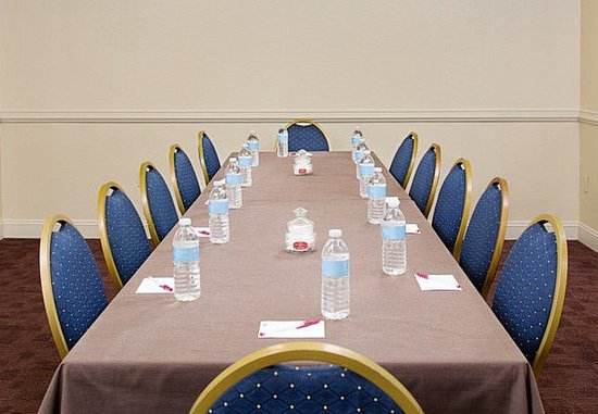 White Plains, Nova York: Meeting Room – Boardroom Setup