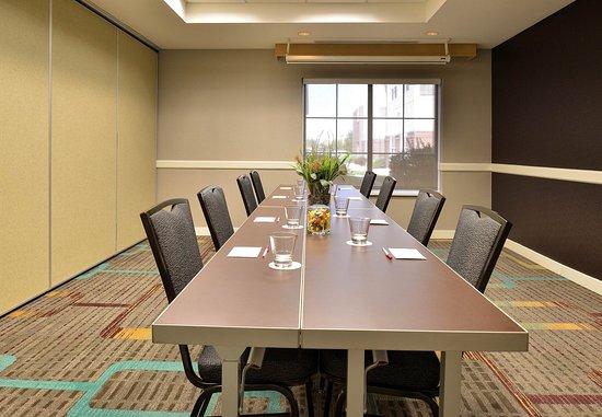 Aurora, CO: Meeting Room – Boardroom Setup