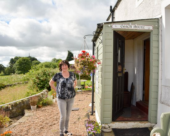 Coach House Brownieside : Tracey,taking the time to say goodbye....