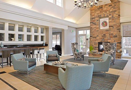 Loveland, CO: Lobby Lounge