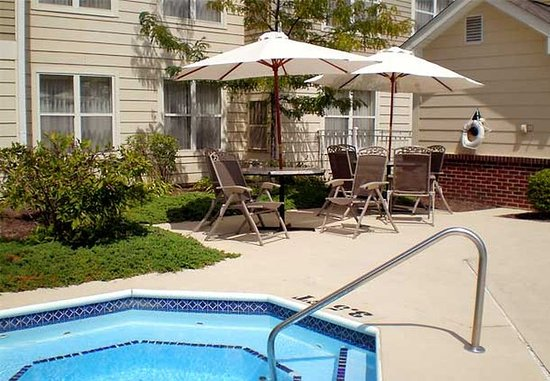 Troy, OH: Outdoor Whirlpool Spa