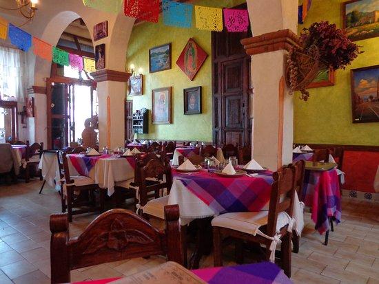 el Patio restaurant: Vista de las mesas