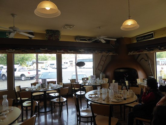 Mount Carmel, Γιούτα: Thunderbird Restaurant.- le foyer de la salle du restaurant