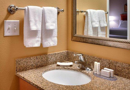Sierra Vista, Arizona: Suite Vanity