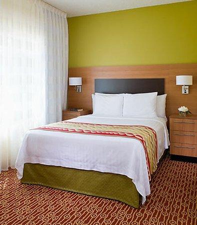 Bedford, Teksas: Suite Bedroom
