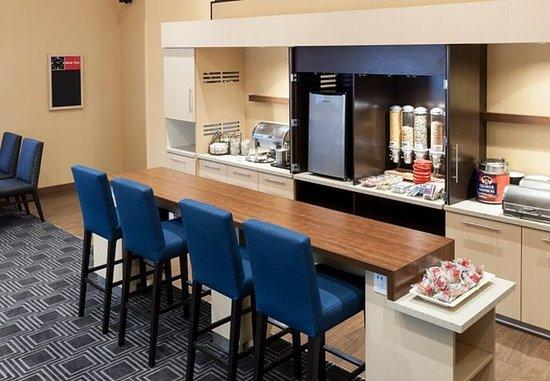 Irving, TX: Breakfast Area