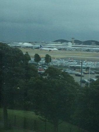 Heathrow Hotel Bath Road: View of irport Runway from Room