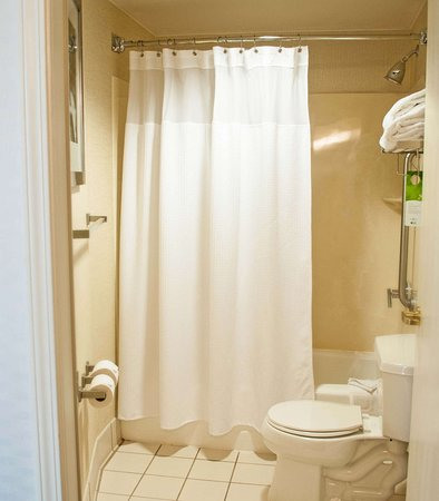 Gahanna, Ohio: Suite Bathroom