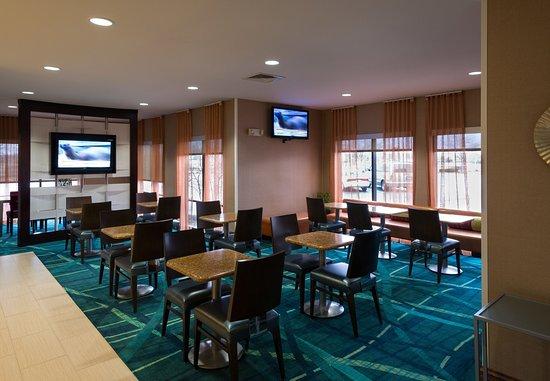 Bolingbrook, Ιλινόις: Breakfast Seating Area