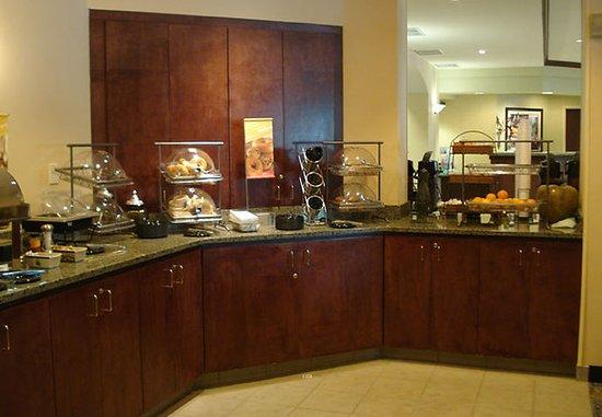 Milford, CT: Breakfast Buffet