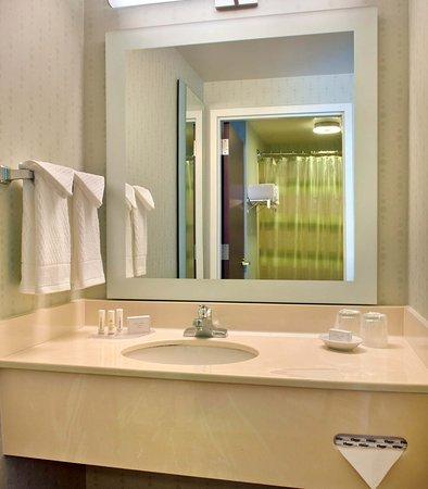 Andover, MA: Guest Bathroom Vanity