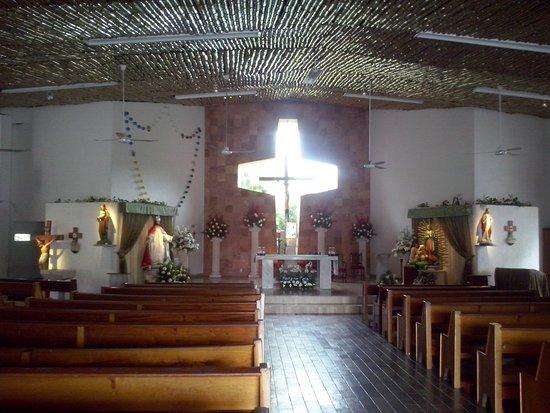 Iglesia de Cristo Rey : Interior