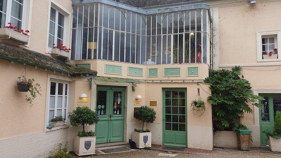 Les Andelys, Francia: Entrée de l'établissement