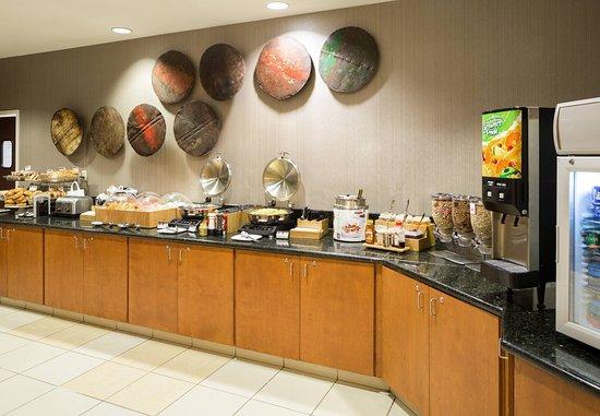 Fishers, IN: Breakfast Buffet