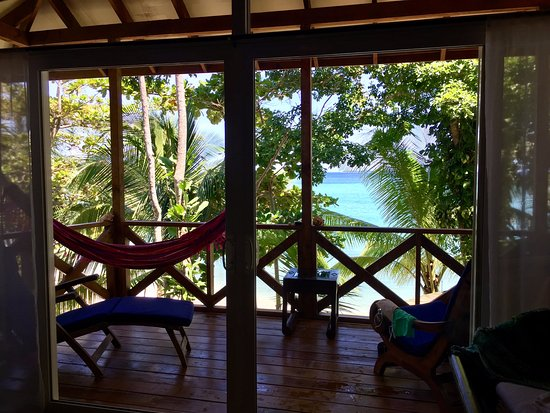 Popa Paradise Beach Resort: View of the balcony and ocean from casita 6
