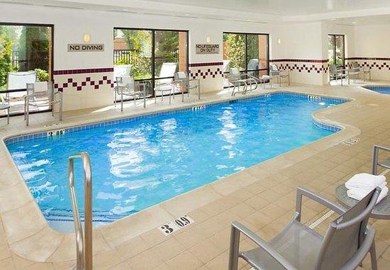 Hillsboro, Oregón: Indoor Pool & Spa