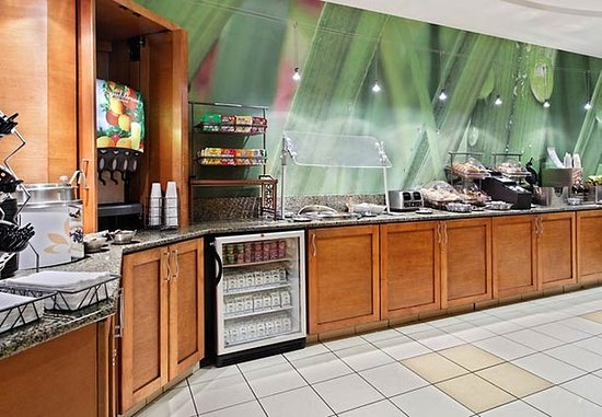 SpringHill Suites Knoxville at Turkey Creek: Breakfast Area
