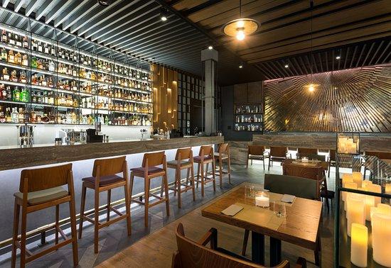 Nikas Restaurant: Основной зал