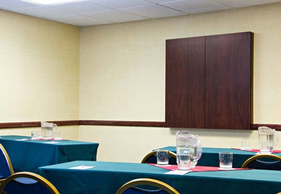 Chesterfield, MO : Meeting Room