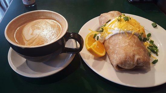 Hillsboro, Oregón: Pumpkin latte and breakfast burrito