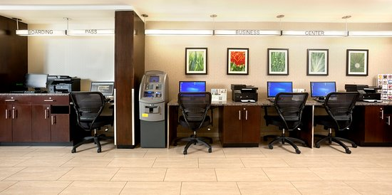 Holiday Inn Newark Airport: 24 house business with comp print and copy