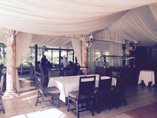 Valle Escondido Resort Golf & Spa: Salón del Restaurante