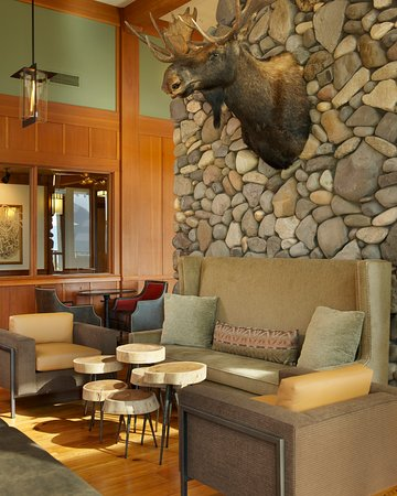 Stevenson, WA: Skamania Dining River Rock Seating with Moose