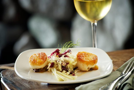 Stevenson, WA: Skamania Dining Scallops and Wine