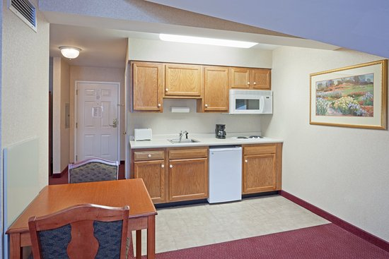 Holiday Inn Express Hotel & Suites White River Junction: King Bed Studio Suite