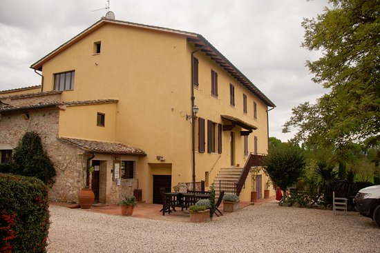 Colle di Val d'Elsa, Italia: The reception and main building