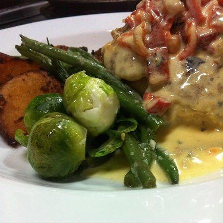 Carleton Place, Καναδάς: More delish dishes from Slackoni's!
