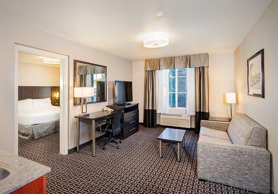 Lancaster, CA: suite