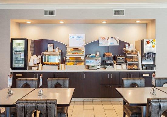 Lancaster, CA: breakfast bar seating