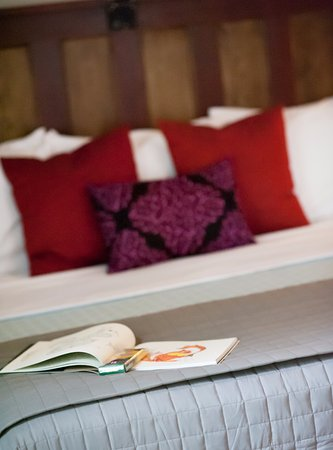 Hotel Faust: Relax and color while you're here.