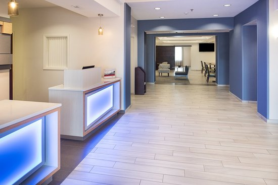 Burlington, IA: Hotel Lobby
