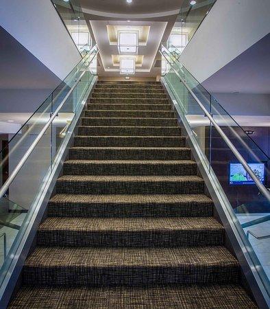คัลเวอร์ซิตี, แคลิฟอร์เนีย: Grand Staircase