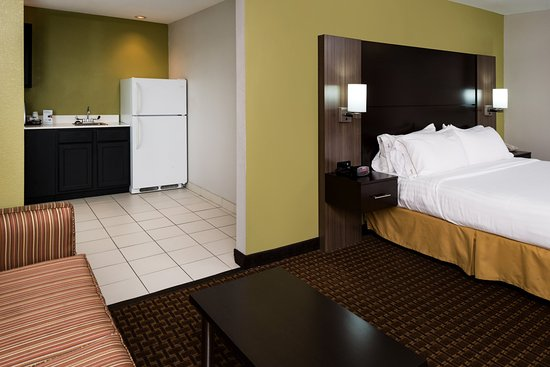 Bucyrus, OH: Guest Room