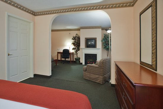 Plymouth, Carolina del Norte: Beautiful Spacious Presidential Suite
