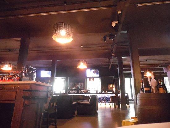 Villanuova sul Clisi, Italia: Panoramica del bancone del bar