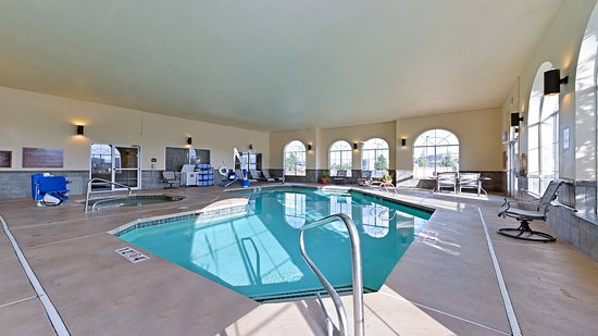 Holiday Inn Express Farmington (Bloomfield): Swimming Pool