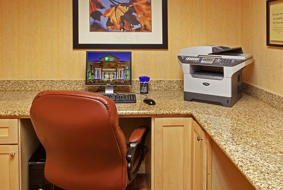 Modesto, Californië: Complimentary Business Center, WiFi, Printer & Mailing Products