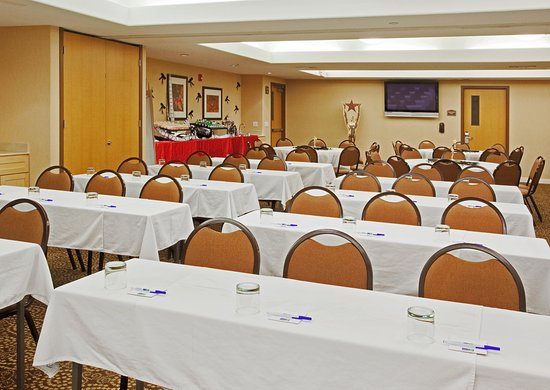 Modesto, Kalifornia: Our staff ensures your event/meeting to run smoothly