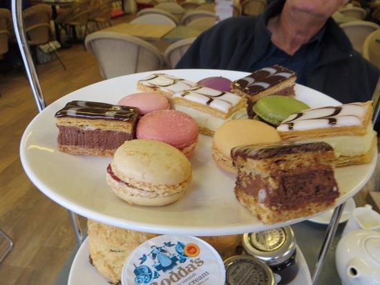 Chartham, UK: Cakes