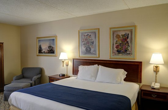 Lawrence, MA: King Bed Guest Room