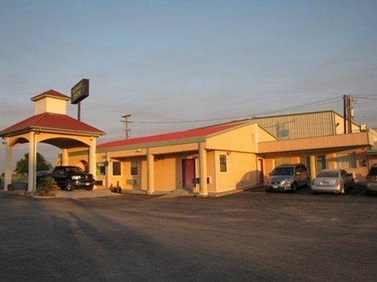 Fairfield, TX: Exterior AOBDFA