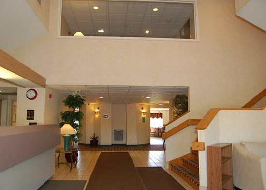 Willington, CT: Lobby