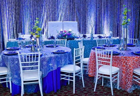 Middleburg Heights, OH: Cleveland Weddings at Crowne Plaza Cleveland Airport